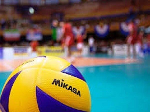 تناقض مسئولان وزارت ورزش در مورد والیبال، حمایت داورزنی از داوری!